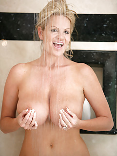 Mature Pornstars Pics