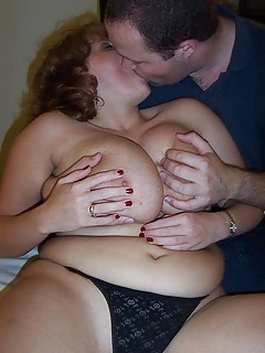 Mature Kissing Pics